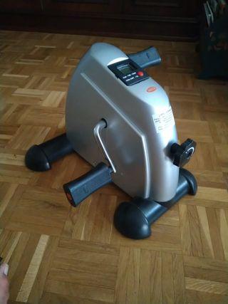 Pedaleador Jocca ( mini bicicleta estática)
