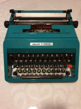 Máquina de escribir Olivetti Studio45