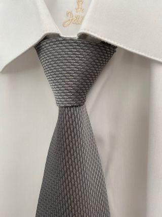 Corbata de ceremonia gris