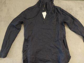 Camisa sport con capucha