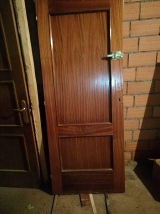 puerta de entrada madera de sapelly