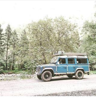 Land Rover santana 2500DL.