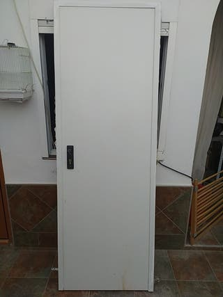 Puerta de servicio metalica