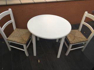 Mesa y 2 sillas niños