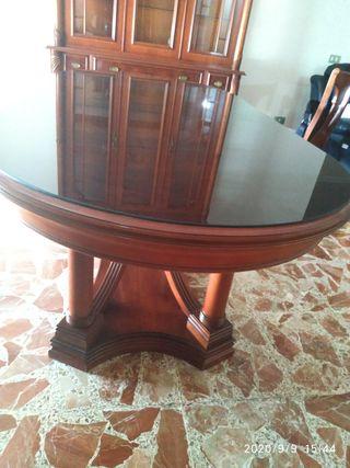 Mesa comedor más seis sillas