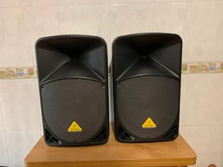 altavoces amplificados b112w y b112mp3,con fundas