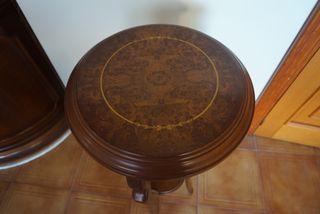 Mesa auxiliar pedestal clásica