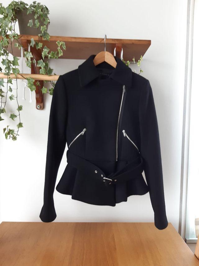 Cazadora biker de Zara talla M