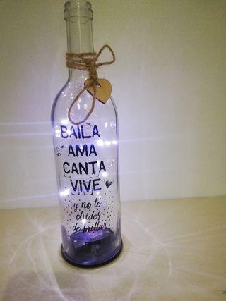 Botella con luz y mensaje