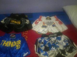 se vende cosas de kick boxing pantalones de kick