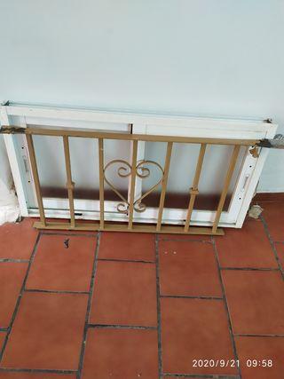 ventana aluminio de 1 x 0,50 con reja