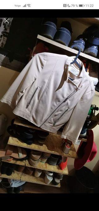 vendo chaqueta cuero zara