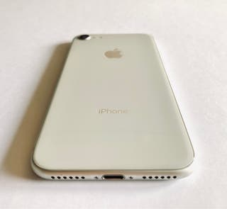 iPhone 8 64GB Silver IMPECABLE!!!