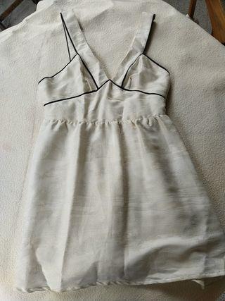 Vestido corto blanco (H&M)