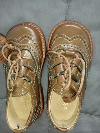 zapatos de vestir bebe T 23