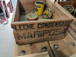 Caja de madera antigua. Años 50