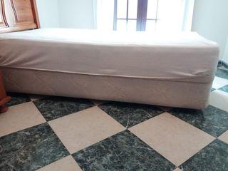 Canapé 90cm x 1,90 cm. Madera y tapiplex.