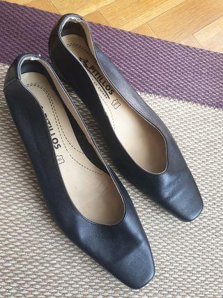 Zapatos de tacón de piel hechos en España