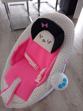 Silla balancín para bebés en perfecto estado.