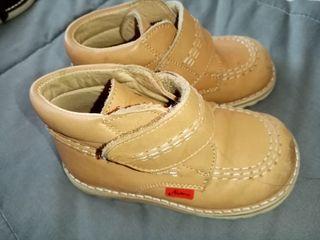 Zapatos de bebes Talla 21