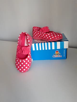 Zapatos niña rosa y blanca