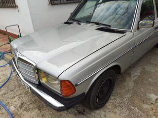 Mercedes-Benz Clase E 1981