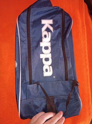 Zapatillero deportivo marca Kappa