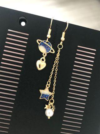 Boucles dépareillées Earrings Ohrringe Pendientes