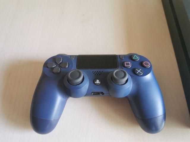 ps4 500 GB con mando y 6 juegos