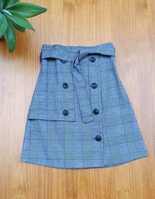 Falda corta de cuadros ZARA