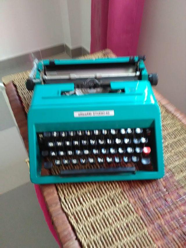 maquina escribir olivetti 45