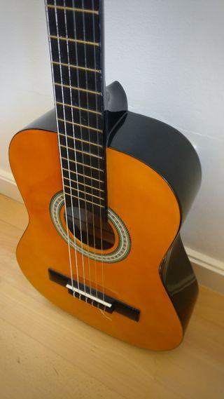 Guitarra pequeña Clifton