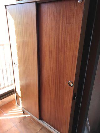Armario tipo oficina con puertas correderas