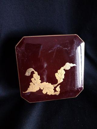 caja lacada con 6 posavasos
