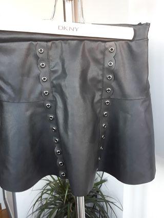 Falda negra de niña talla 10.