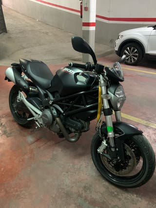 Se vende Ducati monster