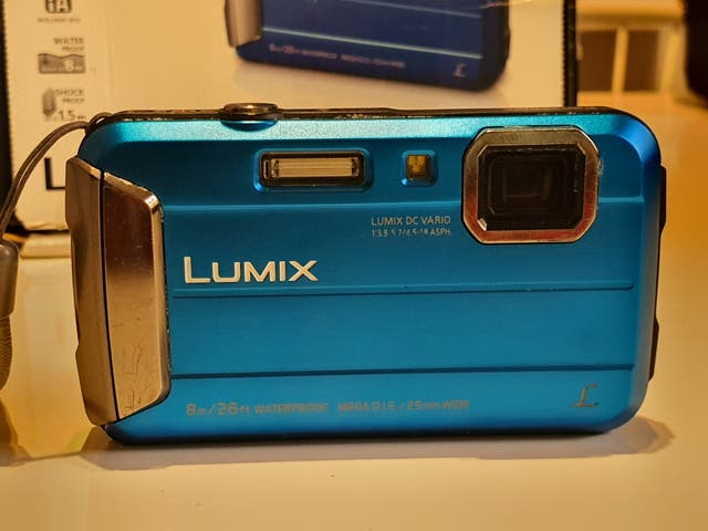 Lumix FT30 camara acuática