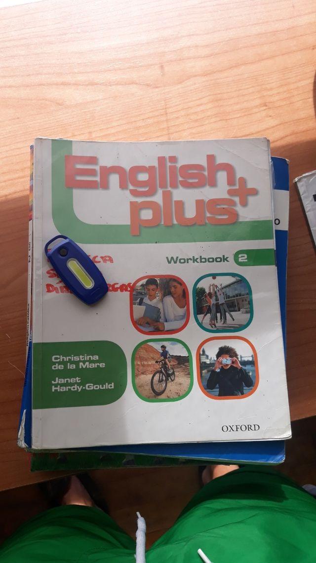 Libro y workbook English Plus+
