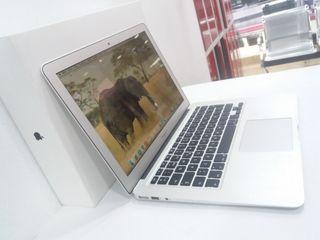 MacBook Air (2015) 13 Pulgadas I5 1.6GHZ 4GB RAM