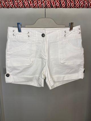 Off white short