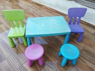 Mesa y sillas infantiles Ikea Mammut
