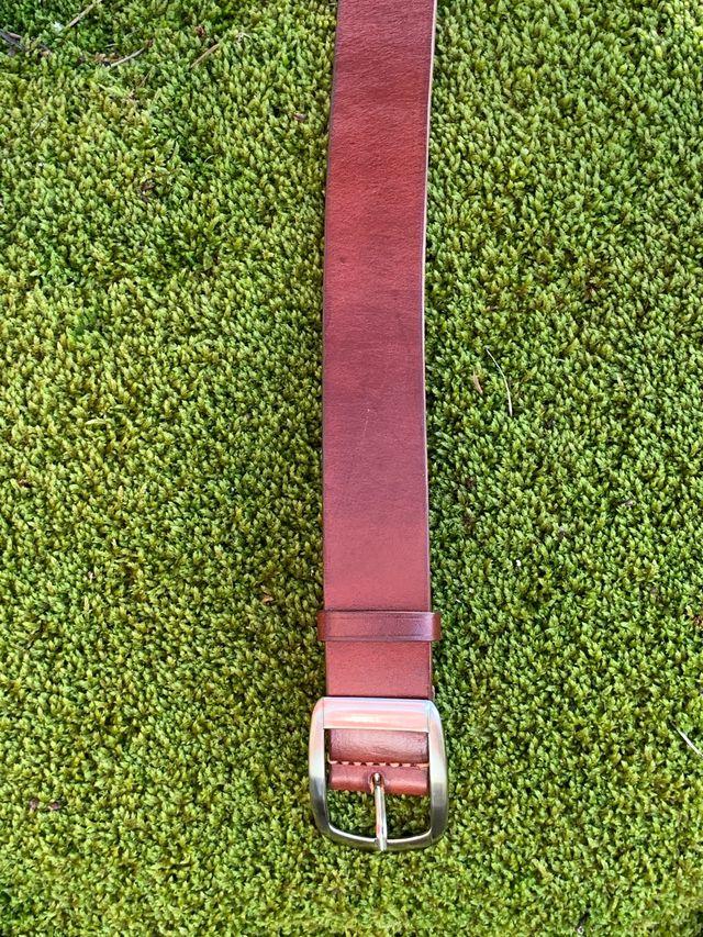 Cinturón cuero marrón 105cm