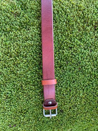 Cinturón cuero marrón liso