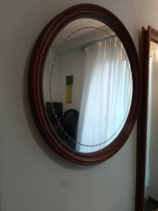 Espejo de madera antiguo