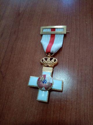 medalla militar Cruz al merito