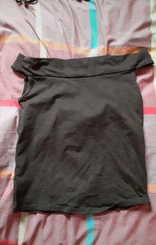 Camiseta sin hombros de Stradivarius