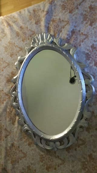 espejo plateado, antiguo restaurado.