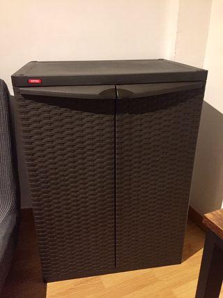 Armario de exterior de resina Rattan 65x92x45 cm