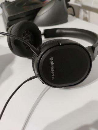 Cascos Steelseries con micrófono.