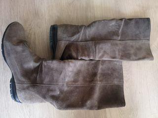 botas de piel planas